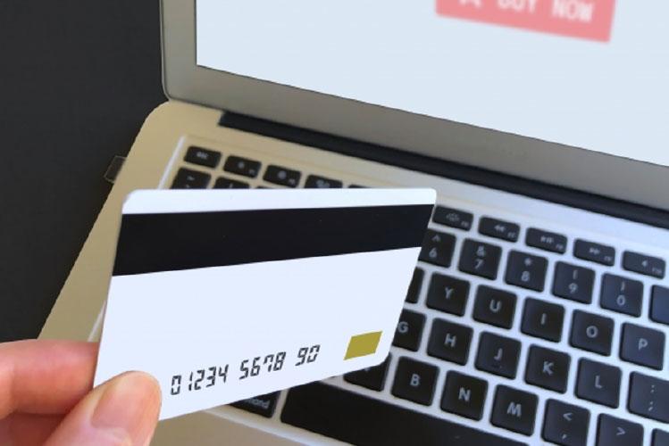 クレジットカードもしくはコンビニ支払いをご選択ください