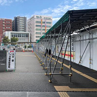 出て、道なりにまっすぐ進みますと右手側に熊本駅前電停があります。
